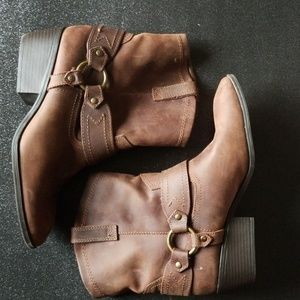 Size 11 leather low cowgirl boots